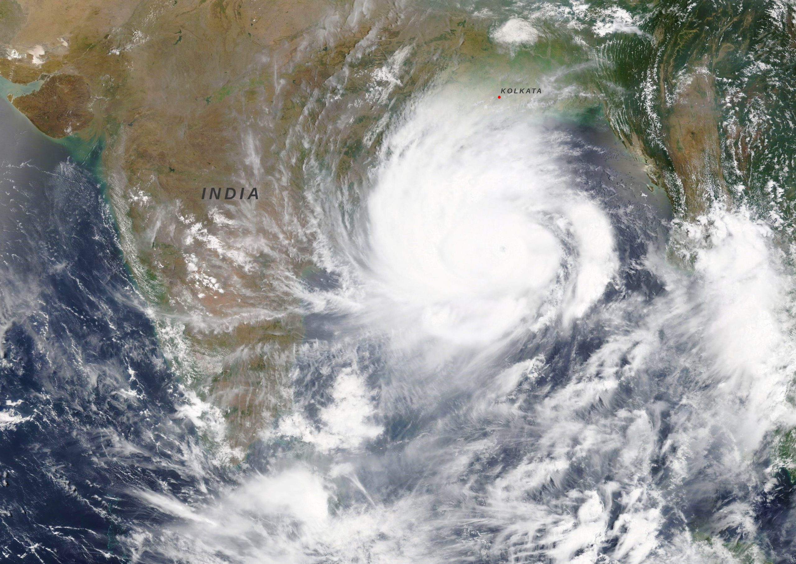 Assessment of Storm Surge, Cyclone and Flood Forecasting in Bangladesh and Recommendations to Improve Forecasting for Decision-making